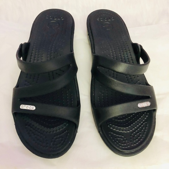 0717a5369d96 CROCS Shoes - 😍Never used Crocs size 7 rubber slipper😍